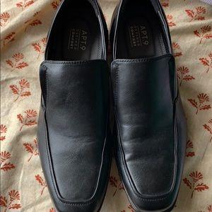 Men's dress shoes 9M Apt. 9 black slip on loafers